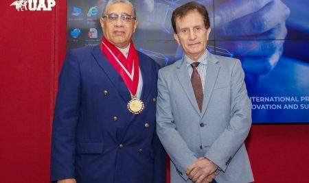 UAP JURAMENTÓ A DR. IVÁN VOJVODIC HERNÁNDEZ COMO NUEVO DECANO DE FACULTAD DE MEDICINA HUMANA Y CIENCIAS DE LA SALUD