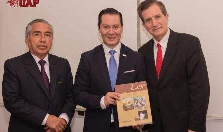 DELEGACIÓN DE ECUADOR LOGRA ACUERDOS CON LA UAP SOBRE CRIANZA DE VICUÑAS